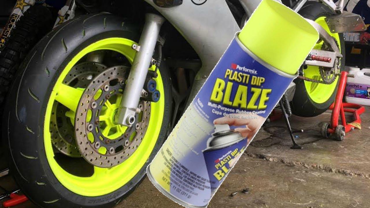 Pintura de llantas de moto con PlastiDip en spray