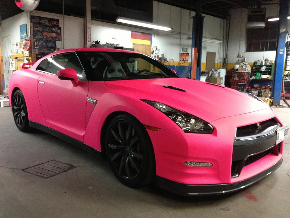 Plasti-dip Rosa perlado en Nissan GT-R
